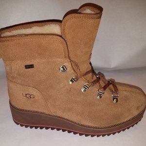 UGG Birch Wedge Boot Waterproof Lace-Up  SZ 9.5
